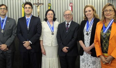 Cinco juízes com maior produtividade no Ceará recebem Medalha do Mérito Jurisdicional