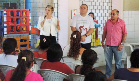 """""""Pai Presente"""" atende mais de 100 pessoas em escola pública da Capital neste fim de semana"""