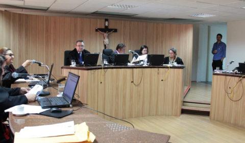Criança que foi expulsa de igreja deve receber R$ 10,8 mil de indenização