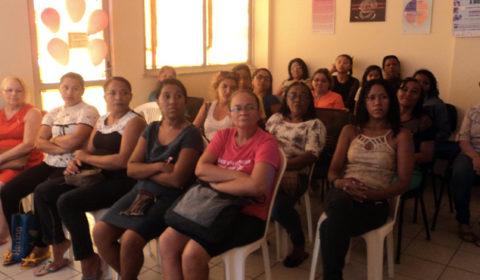 Juizado da Mulher de Fortaleza promove palestra sobre câncer de mama