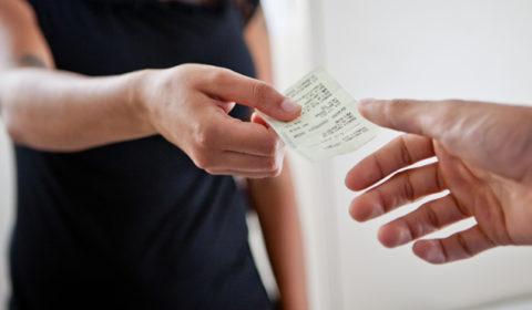 Enquete TJCE: 46% dos participantes sempre exigem a nota fiscal ao comprar um produto
