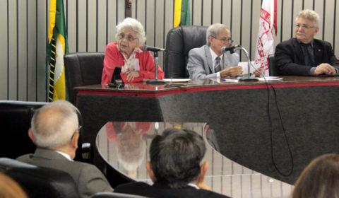 Palestra com professora Adísia Sá comemora os 12 anos de atuação da Ouvidoria Geral do TJCE