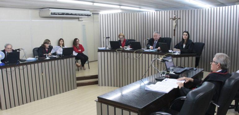 Desembargadores da 2ª Câmara Criminal julgam 115 processos durante sessão