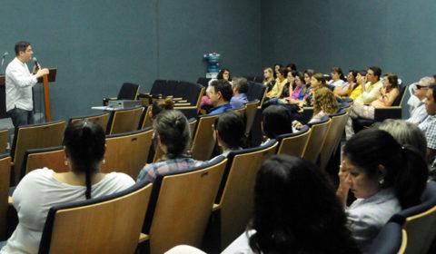 Servidores do Fórum de Fortaleza assistem à palestra sobre a PEC 55