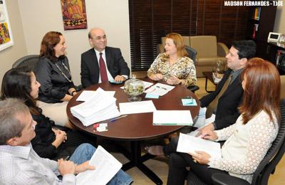 """Comissão inicia análise das decisões que farão parte da obra """"Direito Vivo das Liminares"""""""
