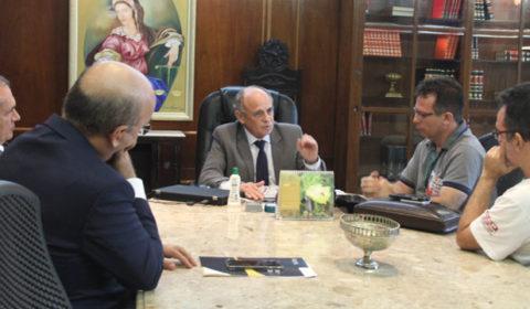 Presidente do TJCE se reúne com representantes do Sindicato de Servidores do Poder Judiciário