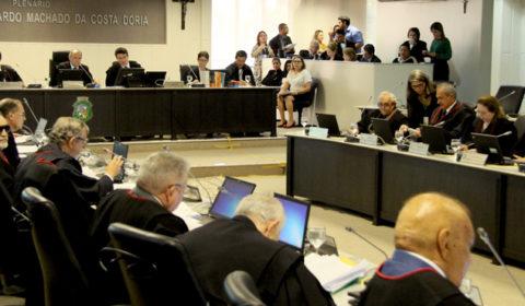 TJCE recebe denúncia contra promotor e advogado acusados de corrupção