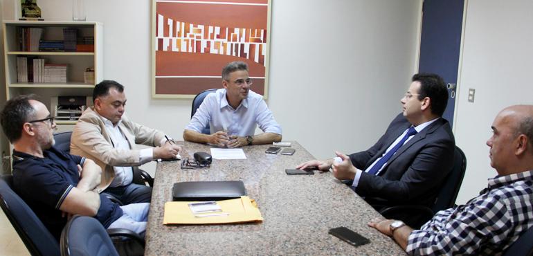 Integrantes da Comissão Permanente de Avaliação de Magistrados participam de reunião na Esmec
