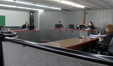 2ª Câmara de Direito Privado do TJCE homenageia ex-presidentes do colegiado