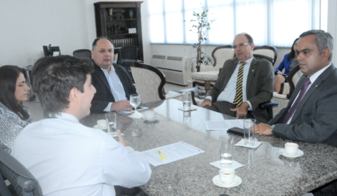 Desembargador se reúne com presidente da OAB para tratar sobre seleção para juiz leigo
