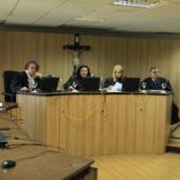 Município de Fortaleza é condenado a indenizar em R$ 10 mil motociclista que caiu em buraco