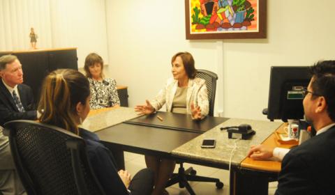Magistrado dos EUA conhece Centro Judiciário de Solução de Conflitos do Fórum de Fortaleza