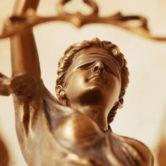 Golden Cross é condenada a pagar R$ 9,6 mil para paciente que teve procedimento cirúrgico negado