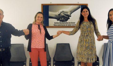 Juíza do Rio de Janeiro conhece Núcleo de Justiça Restaurativa no Fórum Clóvis Beviláqua