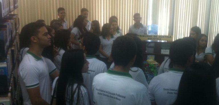 Visita guiada – Escola Estadual de Educação Profissional Dr. Salomão Alves de Moura.