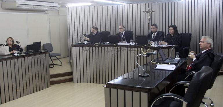 Ex-prefeito e filho são condenados a devolver mais de R$ 188 mil ao Município de Madalena