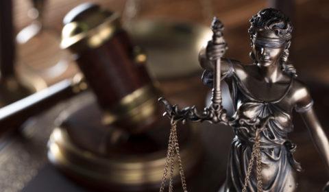 Juiz concede prisão domiciliar para acusado poder cuidar da filha de quatro anos