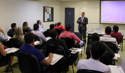 43 juízes cearenses participam do curso Filosofia do Direito, da Escola Nacional da Magistratura