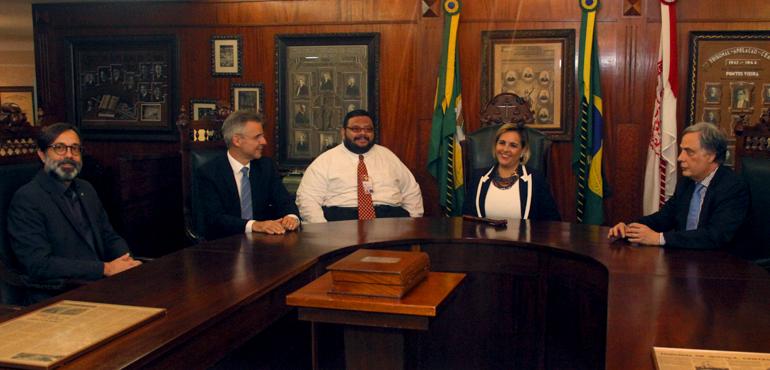 Equipe da Escola Nacional da Magistratura visita Memorial do Judiciário para gravar documentário