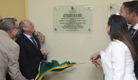 Magistrados, promotora e defensor público comemoram instalação de nova vara em Acaraú