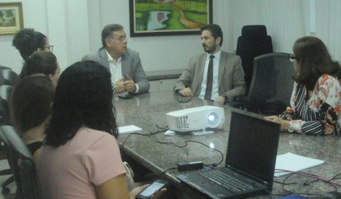 Coordenadora do Prost e membros da Diretoria do Fórum se reúnem para discutir as ações do programa