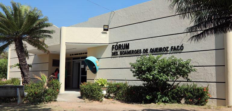 Justiça afasta prefeito e vereador de Beberibe e expede 18 mandados de busca e apreensão