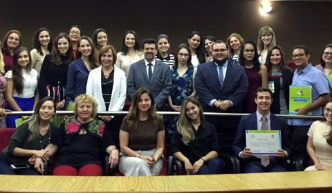 Cejusc de Fortaleza entrega 33 certificados para mediadores e conciliadores