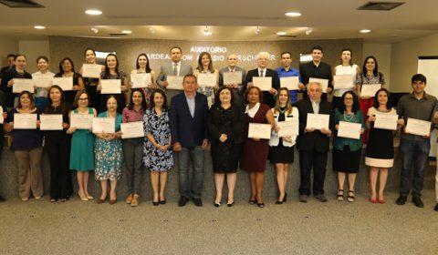Magistrados e servidores recebem certificado do Curso de Noções Básicas de Idioma, Cultura e Direito da França