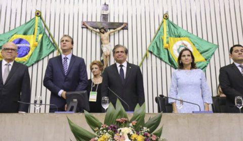 Desembargador Fernando Ximenes representa TJCE na posse do governador Camilo Santana