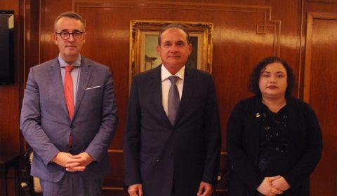 Presidente do TJCE recebe visita de juiz francês