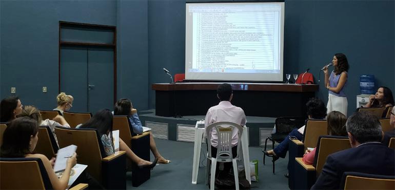 Operadores do Direito participam de palestra sobre assistência farmacêutica no Fórum Clóvis Beviláqua