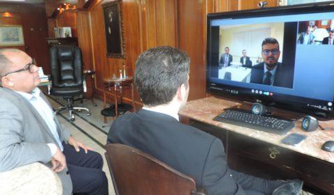 Corregedor-geral se comunica com juízes do Interior por meio de videoconferência