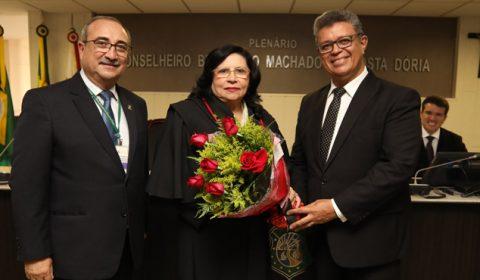 Coral presta homenagem às desembargadoras do Tribunal de Justiça do Ceará