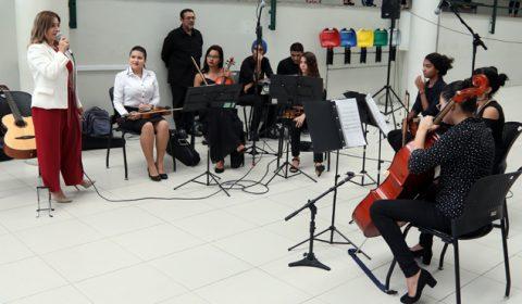 Apresentações musicais e serviços de beleza marcam Dia da Mulher no Fórum Clóvis Beviláqua