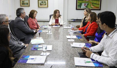 Juízes e representantes da Sesa e PGE se reúnem para debater judicialização da saúde