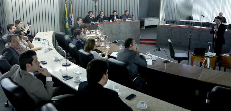 Programa do TJCE para aumentar produtividade é apresentado à comissão de advogados