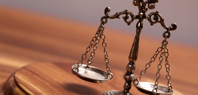 Justiça determina que Município de Quixeramobim pague salário mínimo a servidores