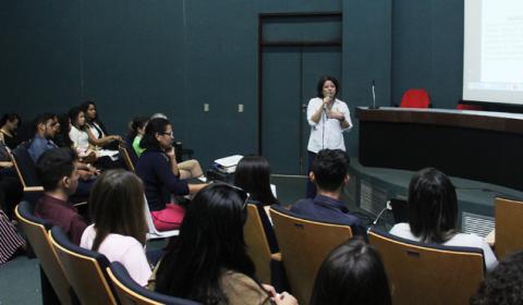 Estudantes de Direito de faculdade de Quixadá visitam o Fórum Clóvis Beviláqua