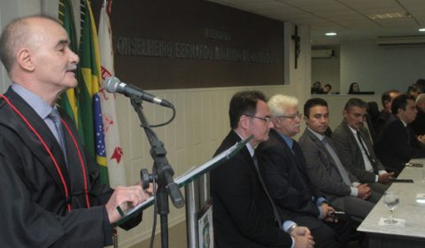 Novo desembargador lembra a família e destaca a vocação para o desempenho da magistratura