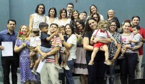 Solenidade no Fórum Clóvis Beviláqua marca a entrega de 23 mandados de adoção