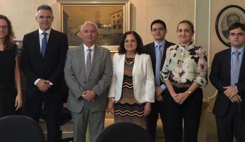"""Diretor da Escola da Magistratura recebe representantes do """"Programa Justiça Presente"""""""