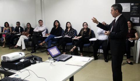 Fórum de Fortaleza capacita juízes e servidores da área cível para atuar em plantões criminais
