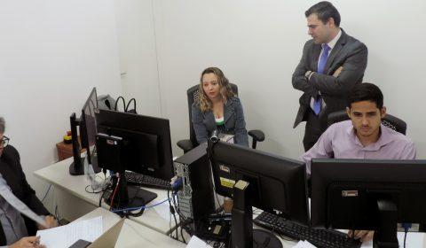 Corregedoria-Geral da Justiça acompanha primeiro dia de plantão na Vara de Custódia de Fortaleza
