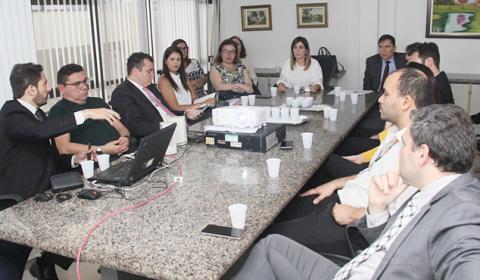 Diretoria do Fórum apresenta aos órgãos parceiros novas regras dos plantões judiciários na Capital