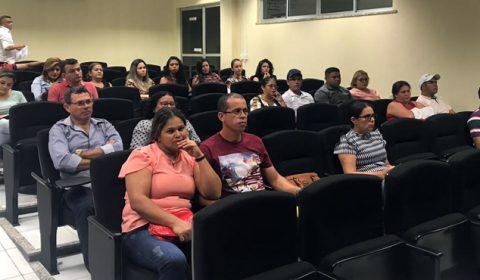 Pretendentes à adoção e servidores participam de curso na Comarca de Sobral