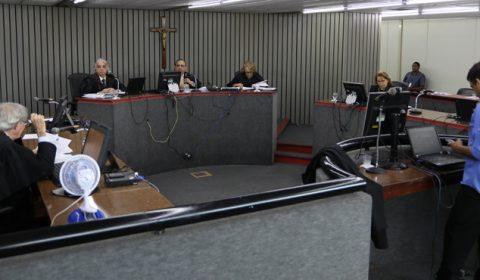 2ª Câmara de Direito Privado do TJCE julga 118 processos em única sessão