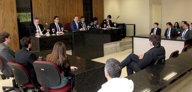 Presidente do TJCE visita Crateús, anuncia investimentos e recebe homenagem da Câmara