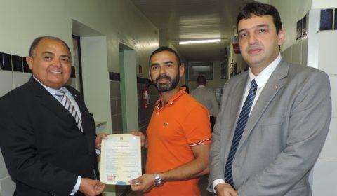 Judiciário acompanha emissão de certidões de nascimento em maternidade de Fortaleza