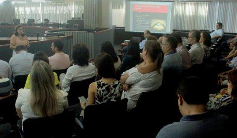 """Palestras, escutas e dinâmicas são ações no primeiro dia da campanha """"Setembro Amarelo"""" do Judiciário"""