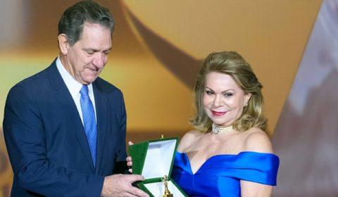 Desembargadora Iracema Vale é homenageada com Troféu Sereia de Ouro